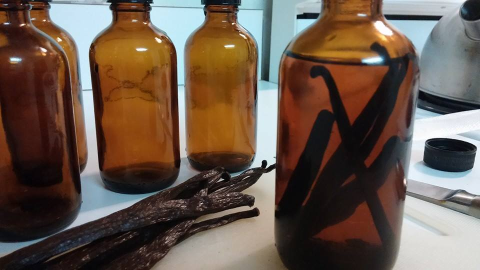Homemade Bourbon Vanilla Extract
