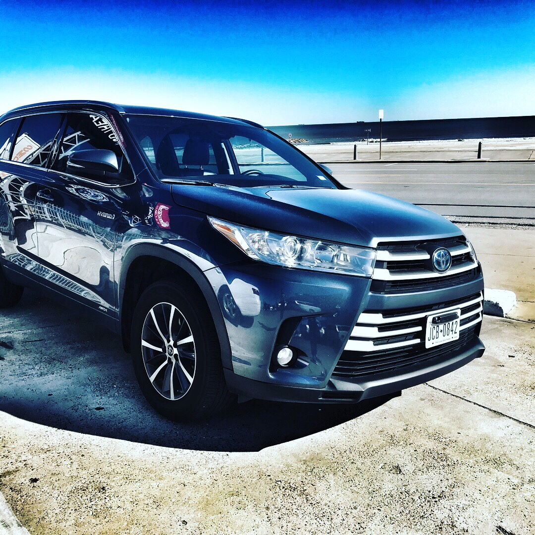I Fell in Love in Houston | 2017 Toyota Highlander Hybrid
