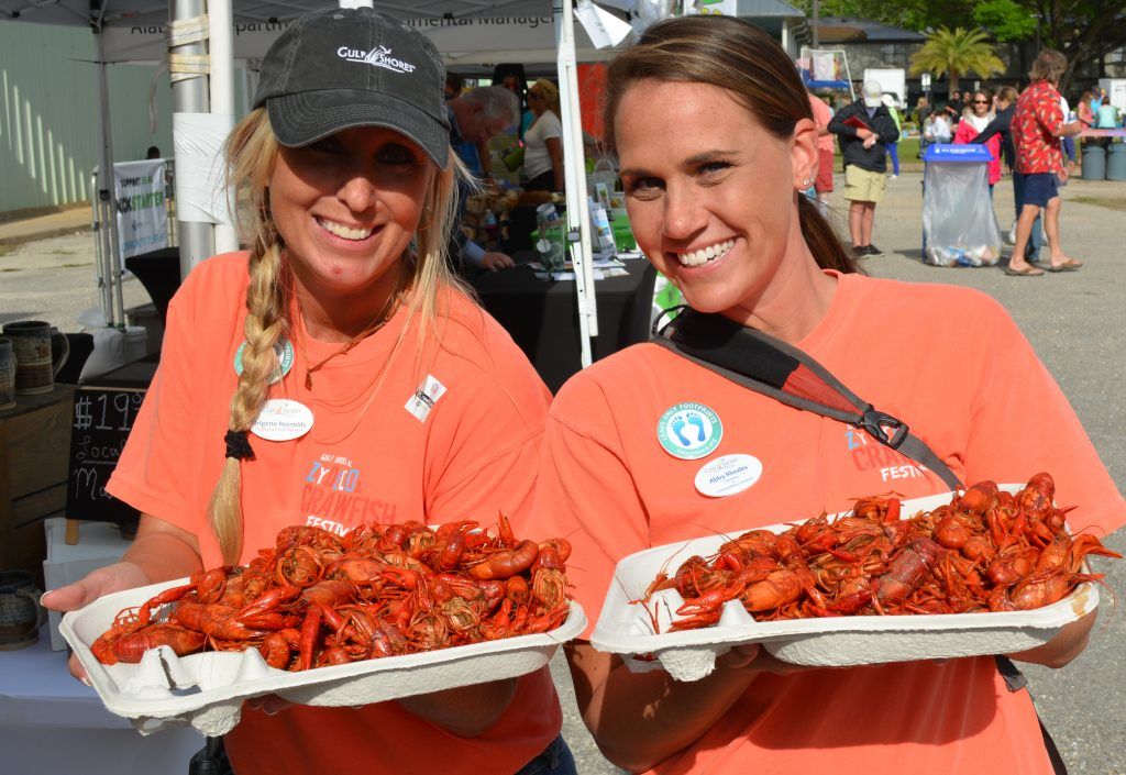Every foodie sees no problem traveling for food. Especially if your view is the ocean. Here are 7 Gulf Shores Food Festivals you should attend this year!